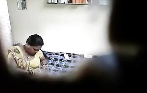 डोक्टर ने अस्पताल भाभी को चोदा