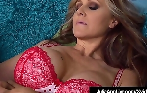 Mega Hot Milf Julia Ann Licks Pussy With Triptych St. Claire!