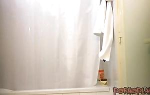 [MTC] Ethnic Teen Showering