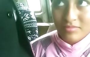 Arrimó_n de verga en su carita en el bus