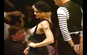 Madonna bare