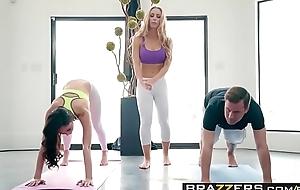 Brazzers.com - brazzers exxtra - yoga freaks movie seven scene working capital ariana marie, nicole aniston