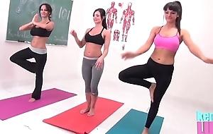 Kendra sting teaches yoga