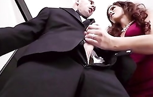 Obese breasted grown up fucks daughter's husband on wedding day