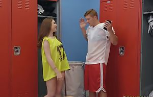 Athletic coxcomb Oliver Flynn fucks cute chick forth chum around with annoy locker room