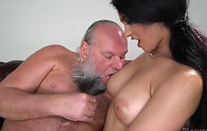 Pretty overcast with fat naturals fucks an elderly chap